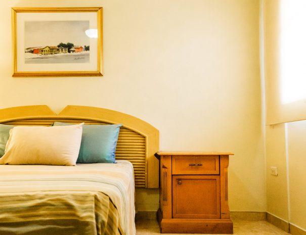 Sea-Breeze-Town-Room